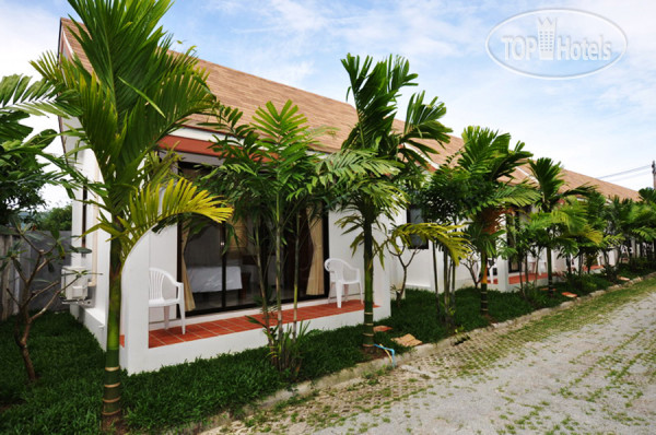 Baan Phuchalong Bungalow 2*