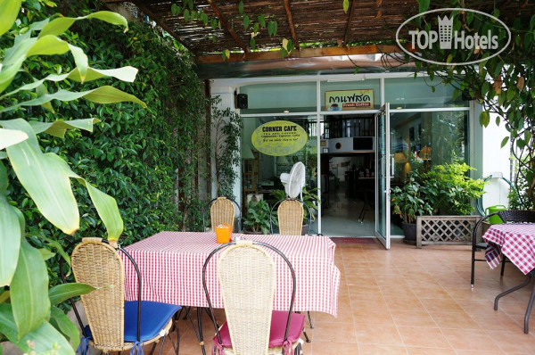 Corner Cafe Bed & Breakfast 2*