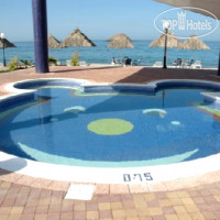 Фото отеля Royal Beach Hotel & Resort 4*