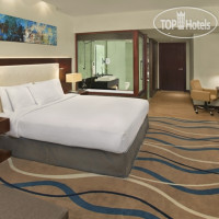 Фото отеля DoubleTree by Hilton Hotel and Residences Dubai Al Barsha 4*