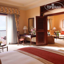 Фото отеля The Ritz Carlton Dubai 5*