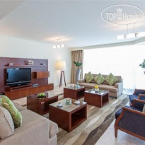 Фото отеля JA Oasis Beach Tower 5* Гостиная