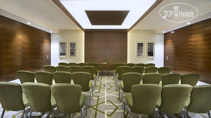 Hilton Garden Inn Dubai Al Muraqabat 4