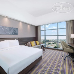 Hampton by Hilton Dubai Airport 3*