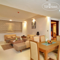 Фото отеля Pearl Continental Creek APT