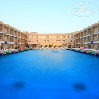 Фото Beach Hotel Sharjah