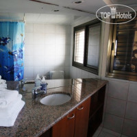 Фото отеля Dizengoff Beach Apartments 3*