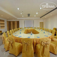 Фото отеля Days Hotel Neemrana Jaipur Highway 2*