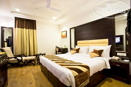 The Parkland, Kailash Colony 3*
