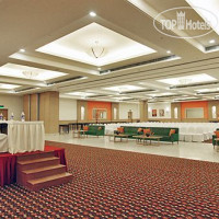 Фото отеля Lemon Tree Hotel East Delhi Mall 4*