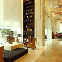 Фото отеля Holiday Inn Mumbai International Airport 4*