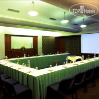 Фото отеля Fariyas Resort Lonavla 5*