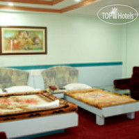 Фото отеля Tourist International Hotel 4*