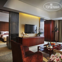 Фото отеля Crowne Plaza Yantai Sea View 5*