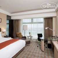 Фото отеля Holiday Inn Qingdao Parkview 5*