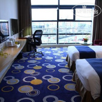 Фото отеля Holiday Inn Express Nantong Xinghu 3*
