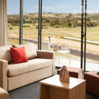 Фото отеля Rydges Mount Panorama Bathurst 4*