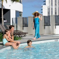 Фото отеля Peppers Broadbeach 5*