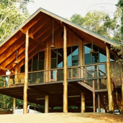 Fur 'n' Feathers Rainforest Tree Houses 3*