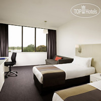 Фото отеля Mercure Melbourne Albert Park 4*