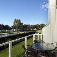 Фото отеля Assured Ascot Quays Apartment Hotel 4*