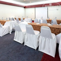Фото отеля Real Inn Mexicali By Camino Real 4*