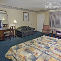 Фото отеля Travelodge Costa Mesa Newport Beach Hacienda 2*