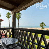 Фото отеля Embassy Suites Mandalay Beach Hotel & Resort 3*