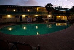 Coral Reef Inn & Suites 3*