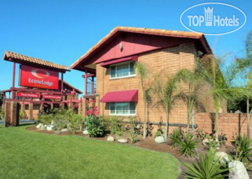 Econo Lodge Inn & Suites Legoland 2*