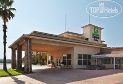 Holiday Inn Express Hotel & Suites Corning 3*