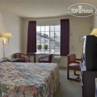 Фото отеля Travelodge Fresno Highway 41 2*