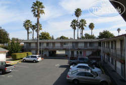 Beachway Inn and Suites Santa Cruz 2*