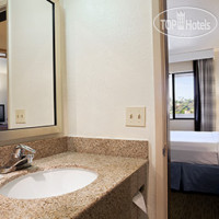 Фото отеля Days Inn Encinitas - Legoland Moonlight Beach 2*