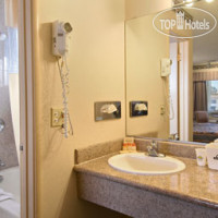 Фото отеля Days Inn Monterey Downtown 2*