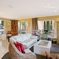 Фото отеля Howard Johnson Inn And Suites Vallejo/Near Discovery Kingdom 2*