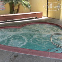 Фото отеля Colonial Pool & Spa Motel 2*