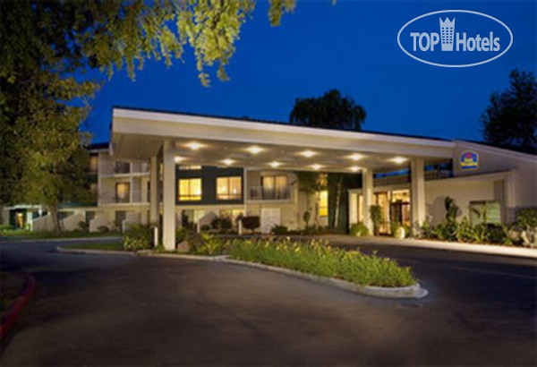 Best Western Plus Garden Court Inn 3*