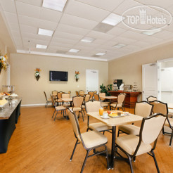 Рестораны и бары Cortona Inn & Suites Anaheim Resort