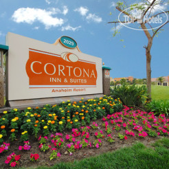 Отель Cortona Inn & Suites Anaheim Resort