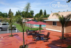 Tri Valley Inn and Suites 2*
