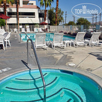 Фото отеля Motel 6 Palm Springs Downtown 2*