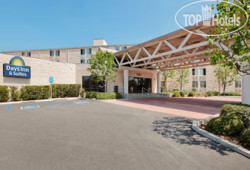 Days Inn & Suites Fullerton 2*