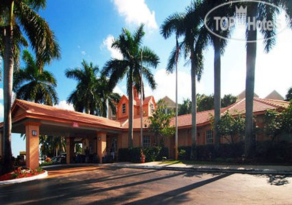 Comfort Inn Airport/Cruise Port South 3*