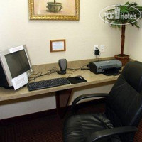 Фото отеля Quality Inn & Suites Zephyrhills 3*