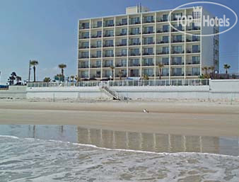 Days Inn Daytona Oceanfront 3*