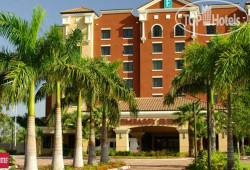 Embassy Suites Fort Myers - Estero 3*