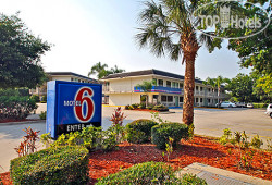 Motel 6 Bradenton 2*