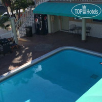 Фото отеля Blue Wave Hollywood Beach 3*