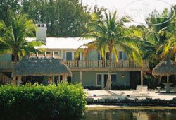 Coconut Palm Inn 3*